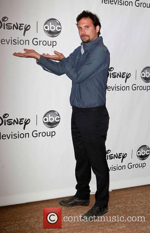 Jeremy Sisto and Beverly Hilton Hotel 7