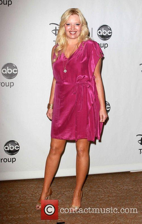 Melissa Peterman and Beverly Hilton Hotel 12