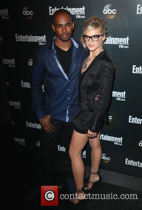 Damon Wayans Jr. and Sara Rue 4