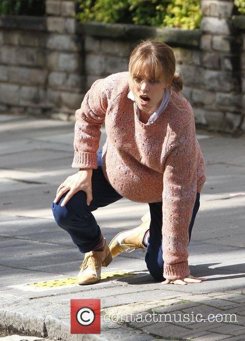 rachel mcadams films a scene where she 3982454