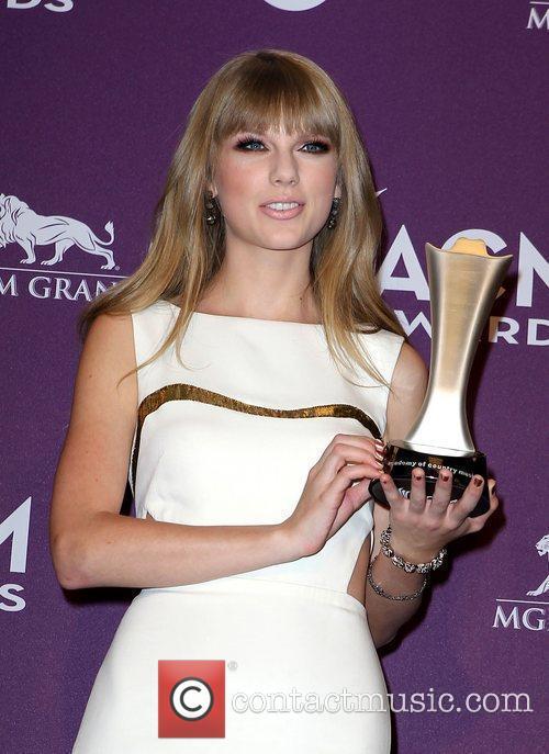 Taylor Swift 16