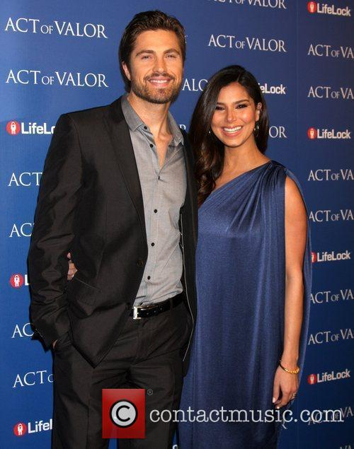 eric winter and roselyn sanchez the los 3729704