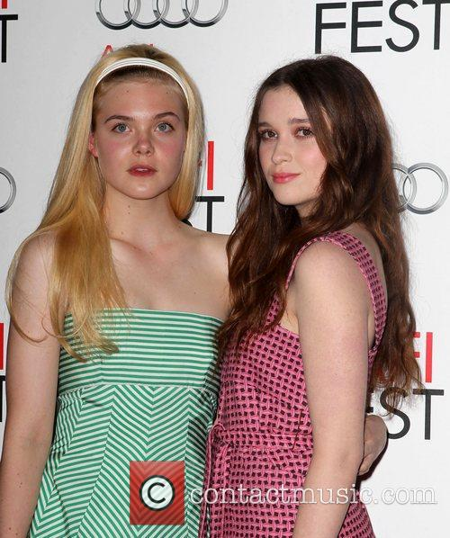 Elle Fanning, Alice Englert and Grauman's Chinese Theatre 6