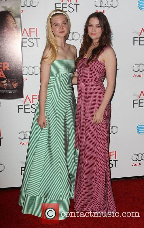 Elle Fanning, Alice Englert and Grauman's Chinese Theatre 8