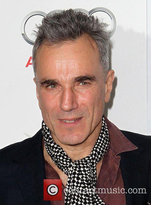 Daniel Day-lewis and Grauman's Chinese Theatre 3