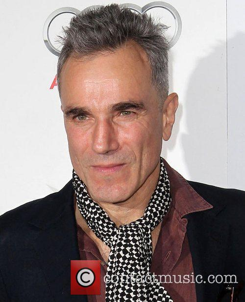 Daniel Day-lewis and Grauman's Chinese Theatre 1