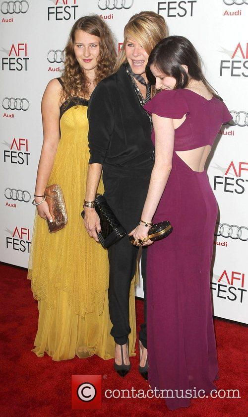 Kate Capshaw, Sasha Spielberg, Sawyer Avery Spielberg and Grauman's Chinese Theatre 4