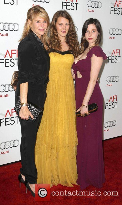 Kate Capshaw, Sasha Spielberg, Sawyer Avery Spielberg and Grauman's Chinese Theatre 1
