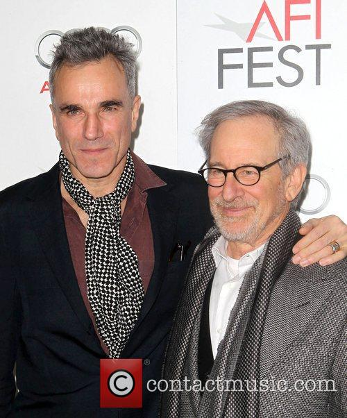 Steven Spielberg, Daniel Day-lewis and Grauman's Chinese Theatre 4