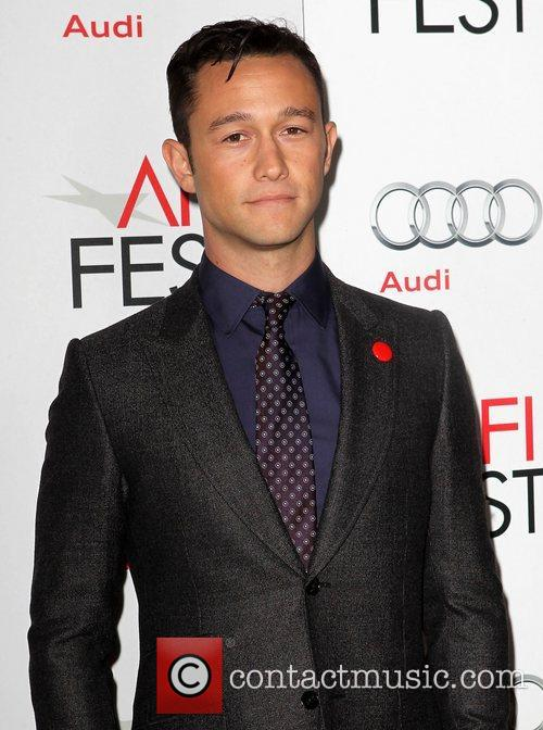 Joseph Gordon-levitt and Grauman's Chinese Theatre 4