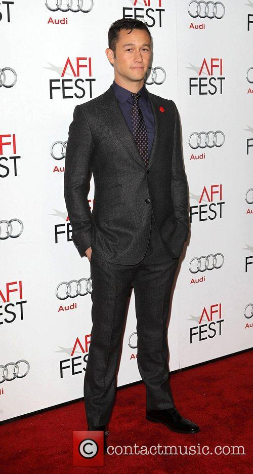 Joseph Gordon-levitt and Grauman's Chinese Theatre 5