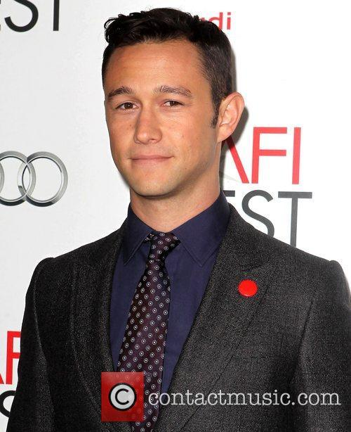 Joseph Gordon-levitt and Grauman's Chinese Theatre 3