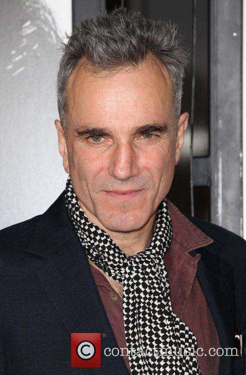 Daniel Day-lewis and Grauman's Chinese Theatre 4