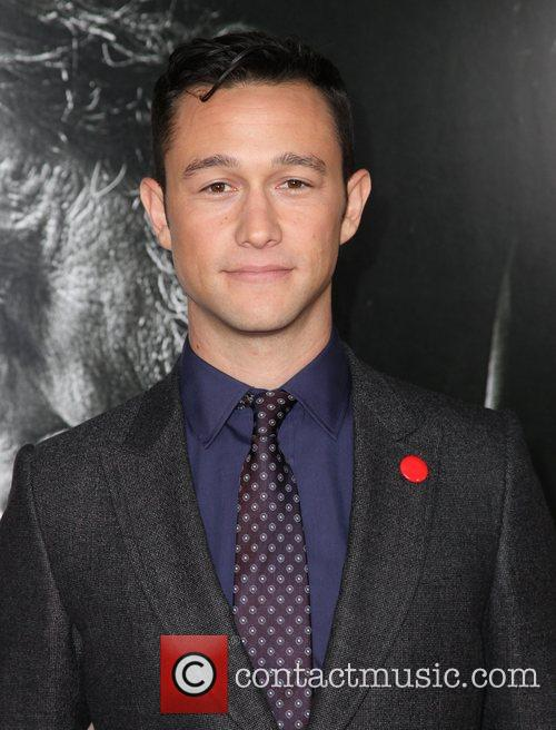 Joseph Gordon-levitt and Grauman's Chinese Theatre 11