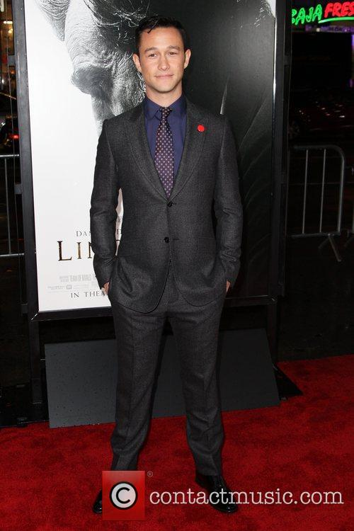 Joseph Gordon-levitt and Grauman's Chinese Theatre 8