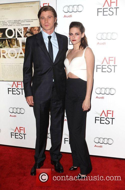 Garrett Hedlund and Kristen Stewart 1