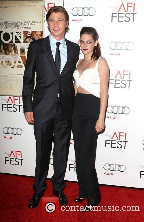 Garrett Hedlund and Kristen Stewart 10