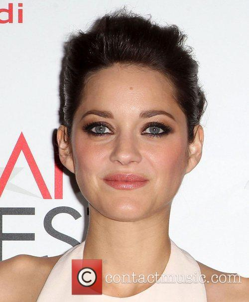 Marion Cotillard and Grauman's Chinese Theatre 9