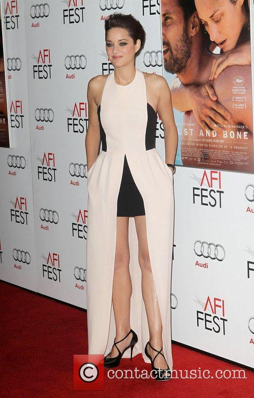 Marion Cotillard and Grauman's Chinese Theatre 12