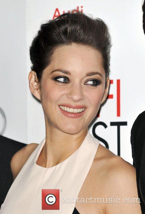 Marion Cotillard and Grauman's Chinese Theatre 2