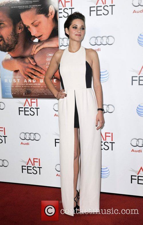 Marion Cotillard and Grauman's Chinese Theatre 5