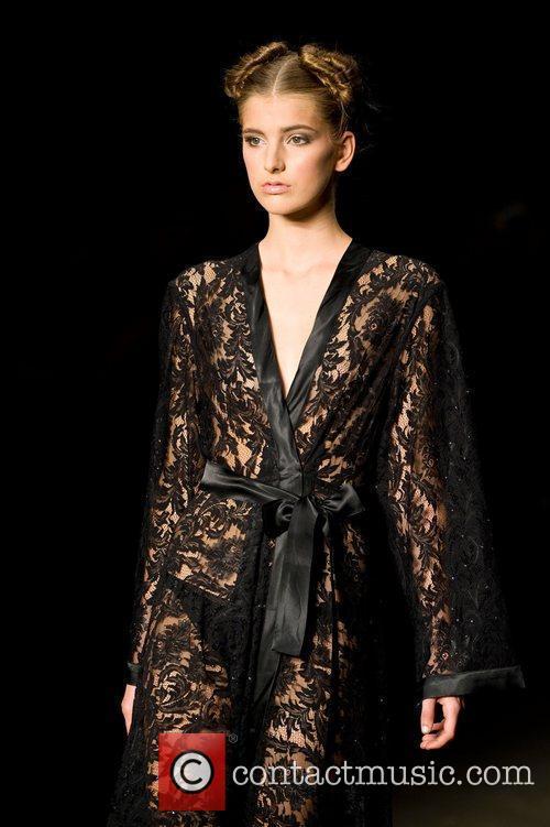 Australian Fashion Week - Fall/Winter 2012 - Mondovi...
