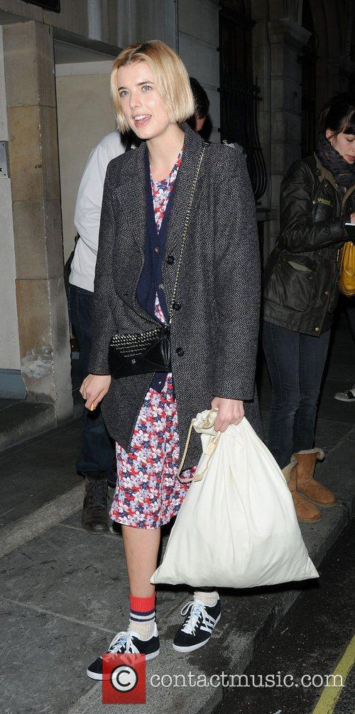 Agyness Deyn and The Leisure Society 2
