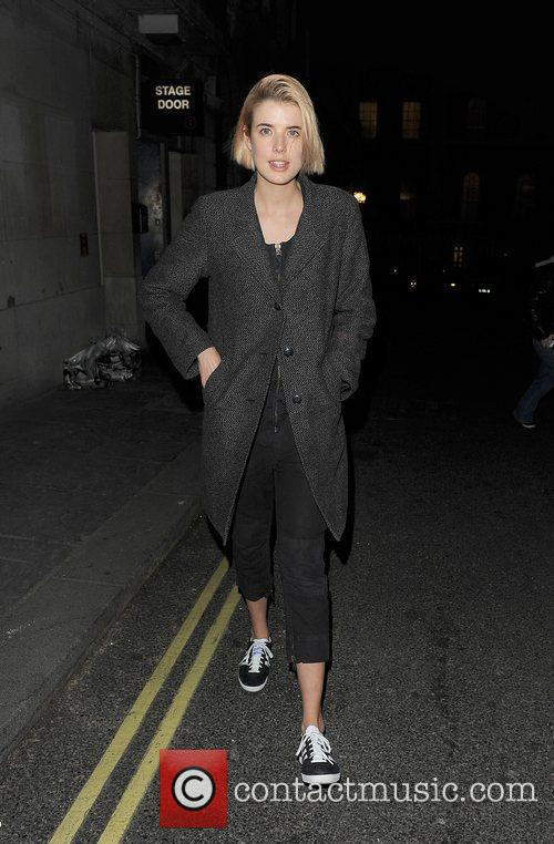Agyness Deyn and The Leisure Society 4