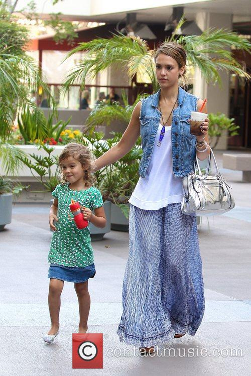 Honor Marie Warren and Jessica Alba 9