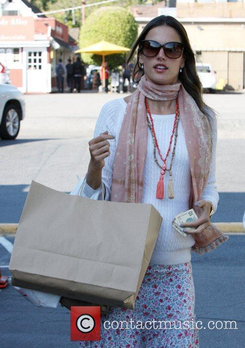 alessandra ambrosio shopping in brentwood los angeles 5788332