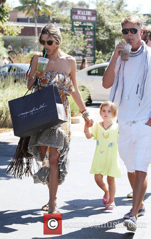 alessandra ambrosio and her daughter anja make 3982244