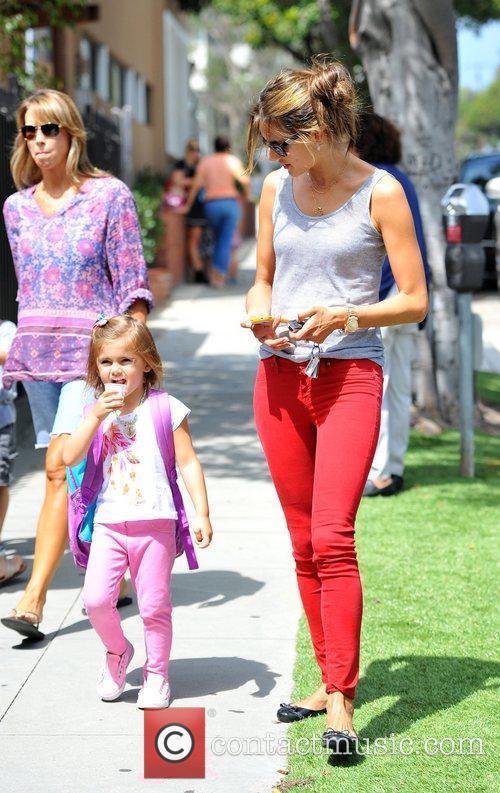 alessandra ambrosio picks up her daughter anja 4078288