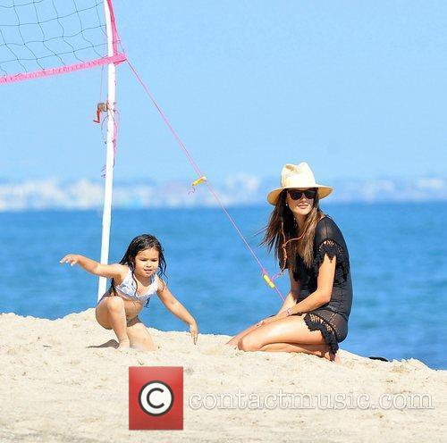 Alessandra Ambrosio and Malibu Beach 7