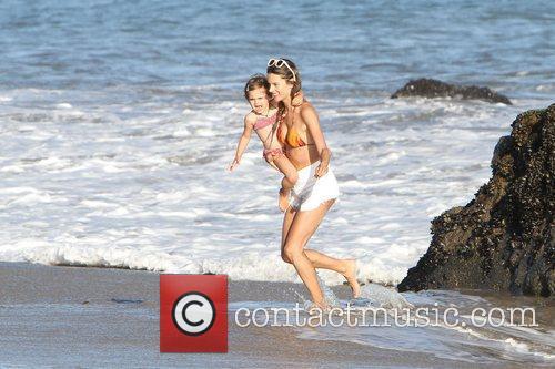 alessandra ambrosio and her daughter anja make 3982354