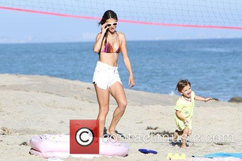 alessandra ambrosio and her daughter anja make 3982359