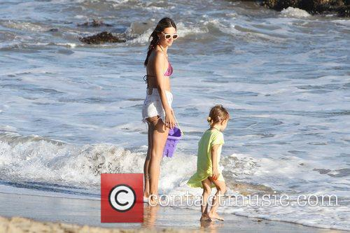 alessandra ambrosio and her daughter anja make 3982365