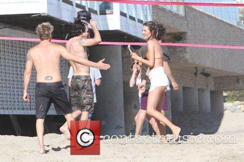 alessandra ambrosio plays volleyball on malibu beach malibu 3982374