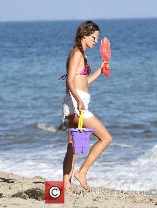 Alessandra Ambrosio, Malibu Beach