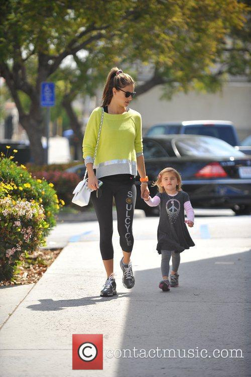 pregnant with her second child alessandra ambrosio 5813090