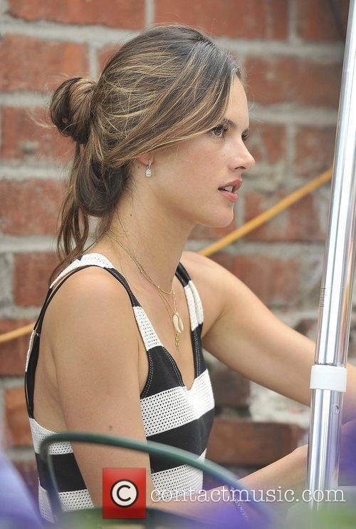 alessandra ambrosio at the ivy restaurant in 3998007