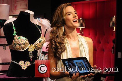 Alessandra Ambrosio 19