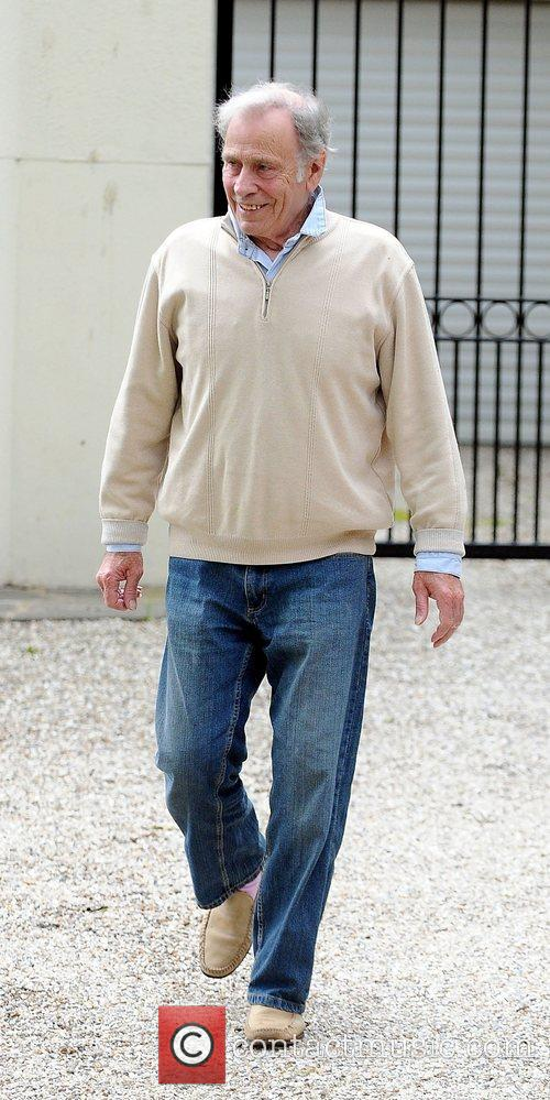 Alex Reid's father Bob leaves his sons house...