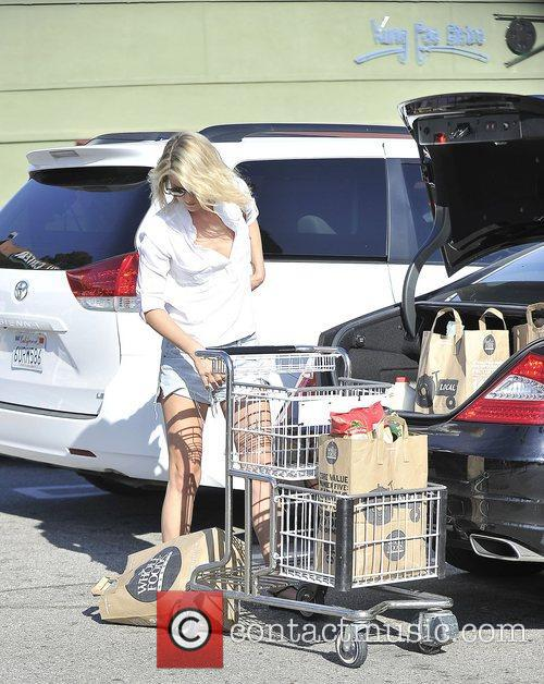 Ali Larter leaves Whole Foods in West Hollywood....