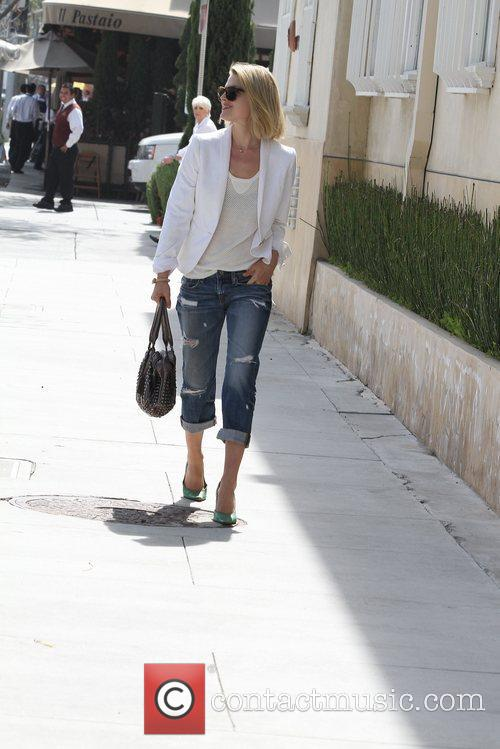 actress ali larter seen out and about 5828109