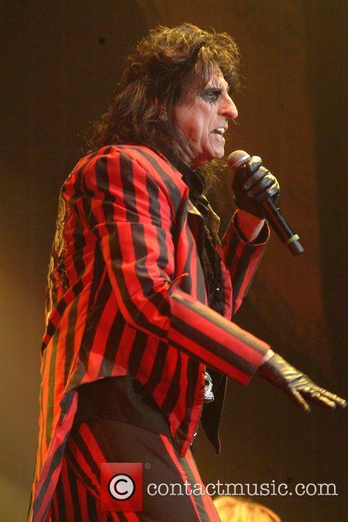 Alice Cooper and Wembley Arena 3