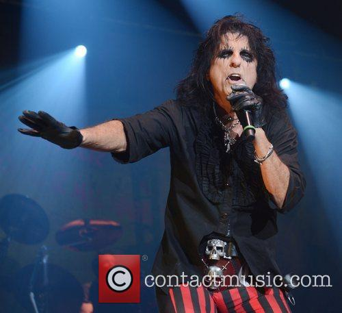 Alice Cooper, Wembley Arena