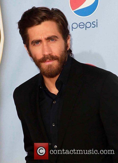 Jake Gyllenhaal and Alma Awards 6