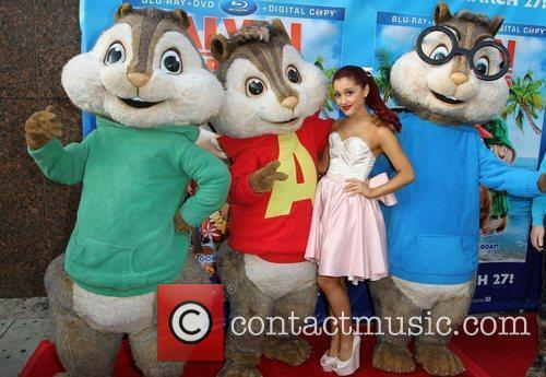 Ariana Grande and El Rey Theatre 2
