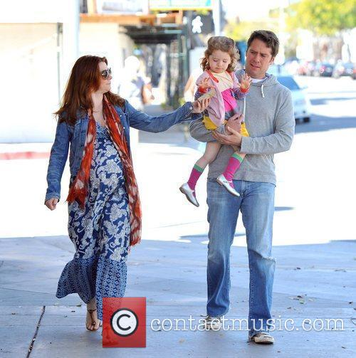 pregnant actress alyson hannigan and husband alexis 5819453