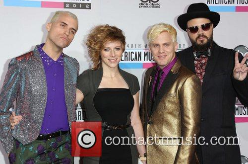 Branden Campbell, Elaine Bradley, Chris Allen, Tyler Glenn and Neon Trees 9